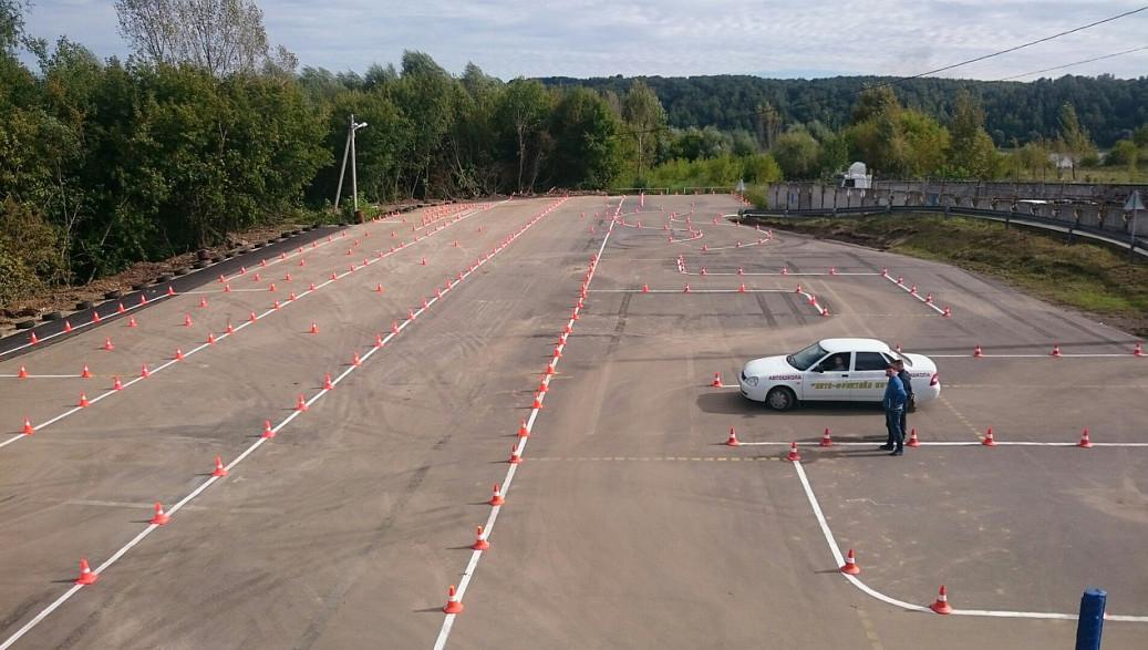 <Большой автодром в Нижнем Новгороде